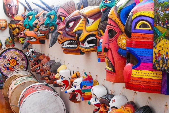 4-Day Magic Tour Cuenca, Alausi town, Baños, Quilotoa, Cotopaxi and Quito, Cuenca, ECUADOR