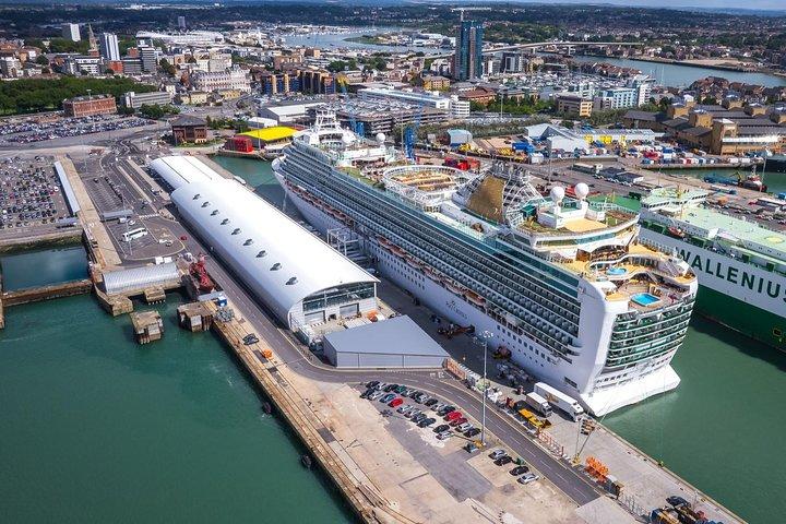 Private Luxury Vehicles Southampton Cruise Terminal to London, Southampton, ENGLAND