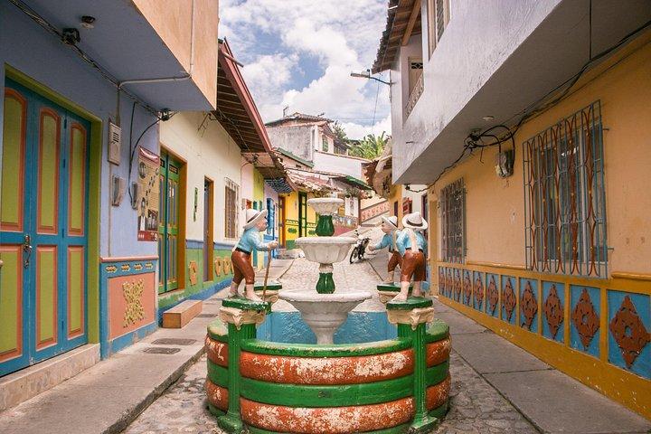 Excursão para Guatape y El Peñol, Medellín, Colômbia