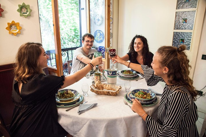 Share your Pasta Love: Small group Pasta and Tiramisu class in Ascoli Piceno, Ascoli Piceno, Itália