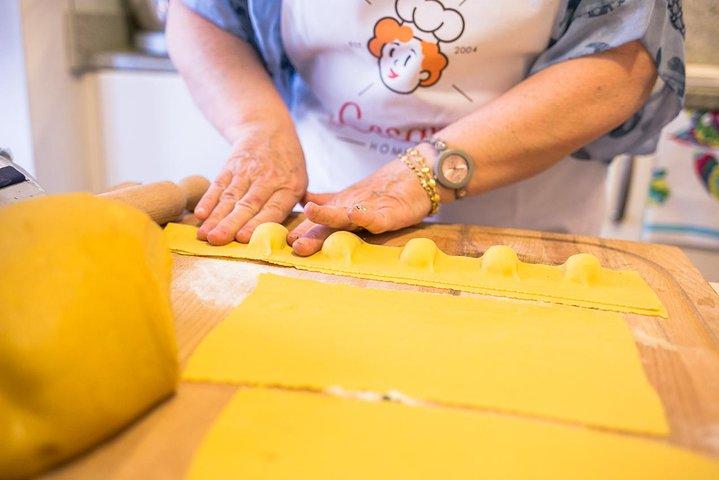 Share your Pasta Love: Small group Pasta and Tiramisu class in Asti, Asti, ITALIA