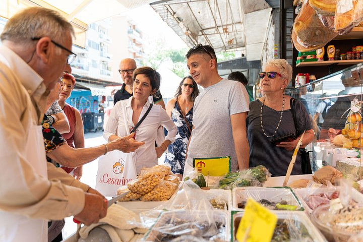 Small Group Market tour and Cooking class in Pisa, Pisa, ITALIA