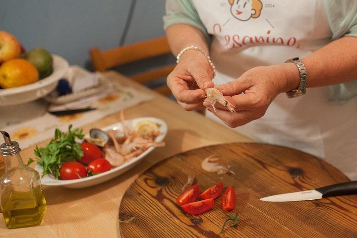 Small Group Market tour and Cooking class in Alberobello, Alberobello y Locorotondo, ITALIA