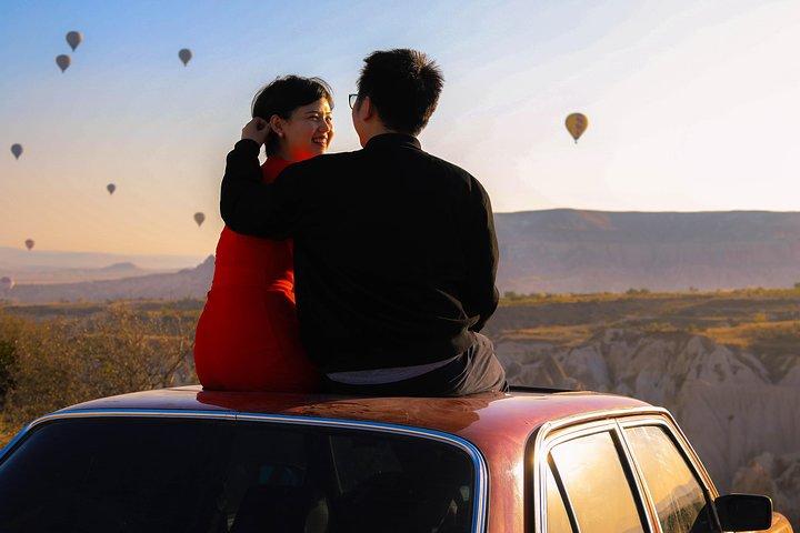Photo Shoot in Cappadocia in Vintage car, Goreme, TURQUIA