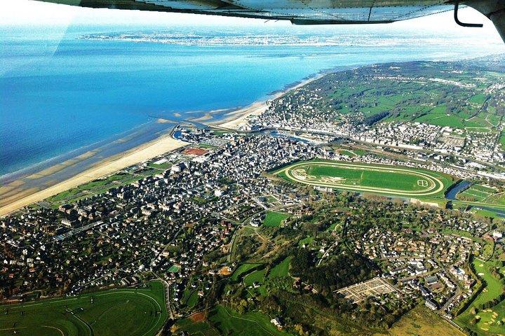 City Escape from Paris to Deauville in a Private Plane, Paris, FRANCIA