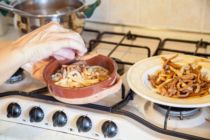 Private cooking class with lunch or dinner in Alberobello, Alberobello y Locorotondo, ITALIA