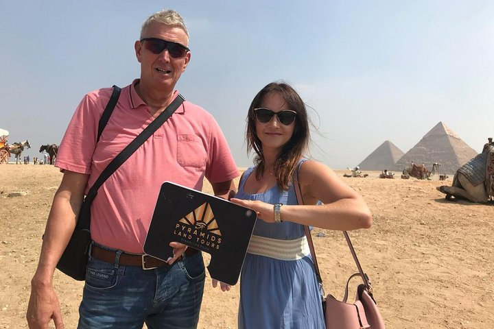 Top rated Giza Pyramids and Sphinx Tour from Cairo Airport, O Cairo, Egito