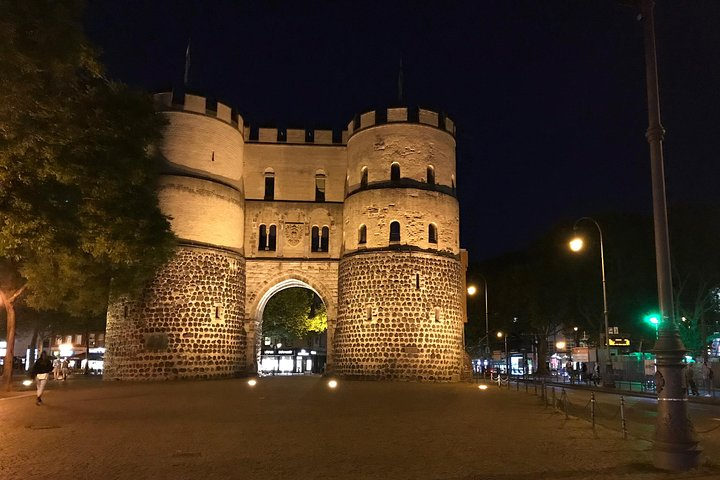 Private Cologne Ghost Tour: Haunted City Center Exploration Game, Colonia, Alemanha