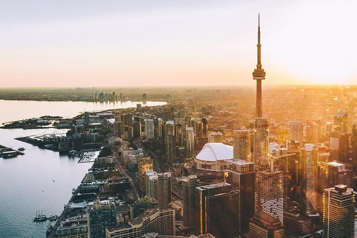 Romantic Jewel - Private Helicopter Tour for 2, Toronto, CANADA