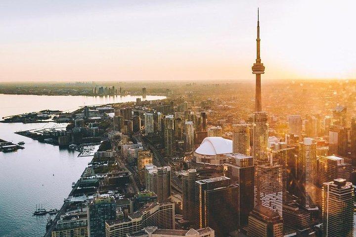 7-Minute Helicopter Tour over Toronto with a Souvenir Photo, Toronto, CANADA
