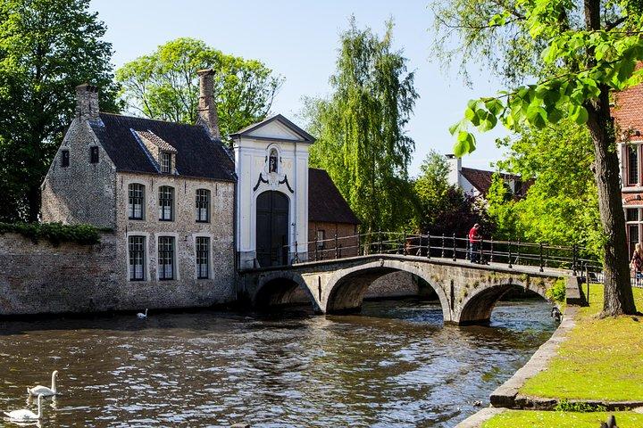 Viagem independente de um dia em Bruges com guia de áudio opcional, saindo de Paris, Paris, França