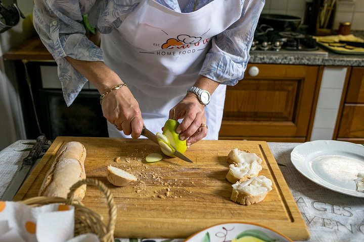 Name your recipe: food market tour and workshop with a Cesarina in Pisa, Pisa, ITALIA