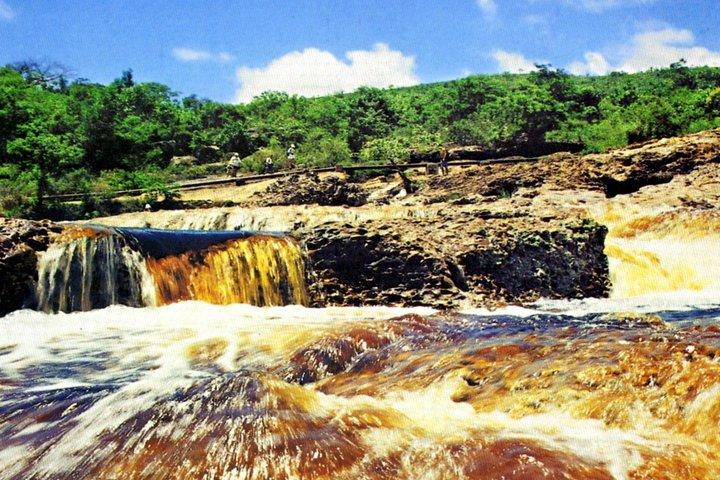 Serrano River mini-hike by Discover Chapada, Lencois, BRAZIL