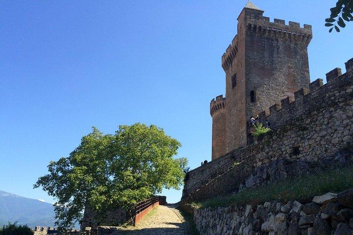 Day Tour to Mirepoix, Montségur, Foix. Private tour from Carcassonne, Carcasona, FRANCIA