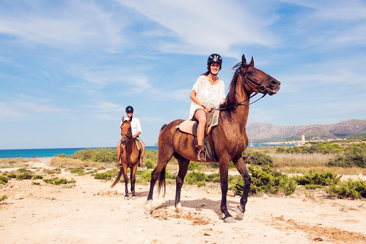 Horse Riding on the Beach in Side, Side, TURQUIA