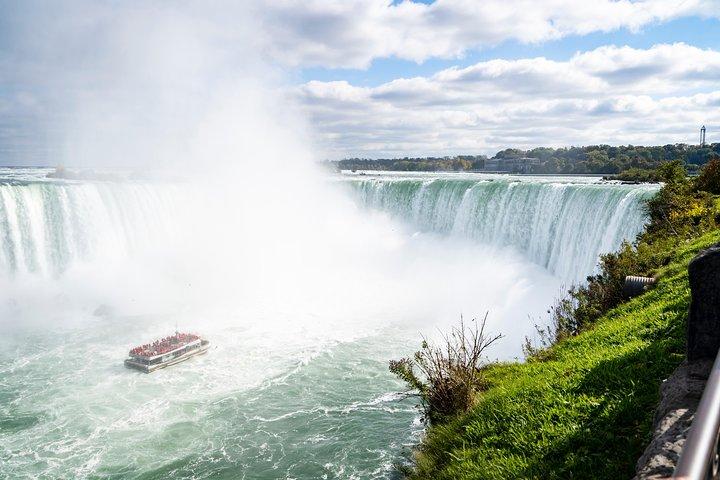 Niagara Falls One Day Sightseeing Tour from Toronto, Toronto, CANADA