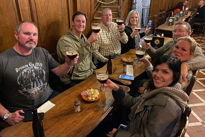Brussels Chocolate Beer Waffle and Belgian Whiskey All-in-One Tour, Bruselas, BELGICA