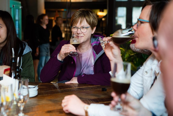 Private: Discover Bruges beers & brewery with chocolate pairing by a young local, Brujas, BELGICA