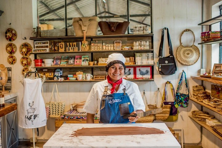 Luxurious Cacao Farm and Hands-On Chocolate Making with a 3-Course Lunch, Guayaquil, ECUADOR