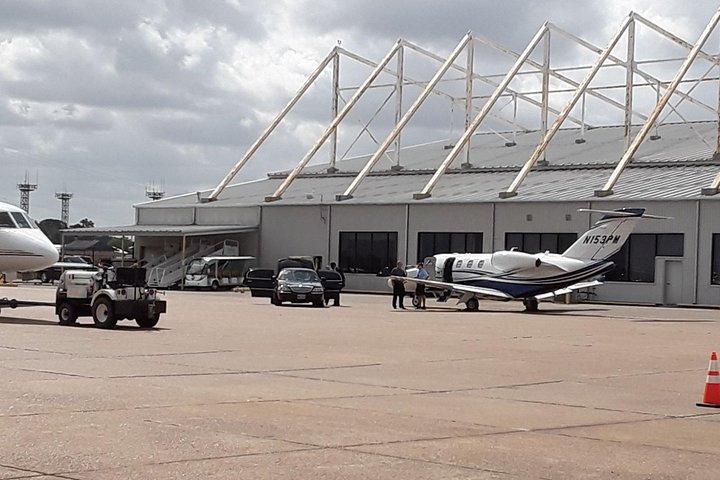 Professional Black Car service from IAH Airport to Houston downtown, Houston, TX, ESTADOS UNIDOS