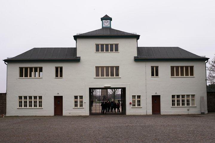 Berlin & Sachsenhausen Concentration Camp Tour from Warnemünde and Rostock Port, Potsdam, Alemanha