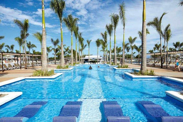 Private Transfer From Liberia Airport To Riu Palace And Riu Guanacaste, Praia Flamingo, Costa Rica