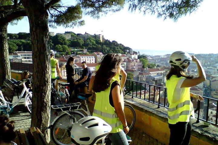Lisbon Go 7 Hills Electric Bike Tour, Lisboa, PORTUGAL