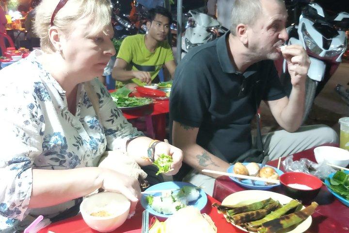 Small-Group Battambong Evening food tour, Battambang, CAMBOYA