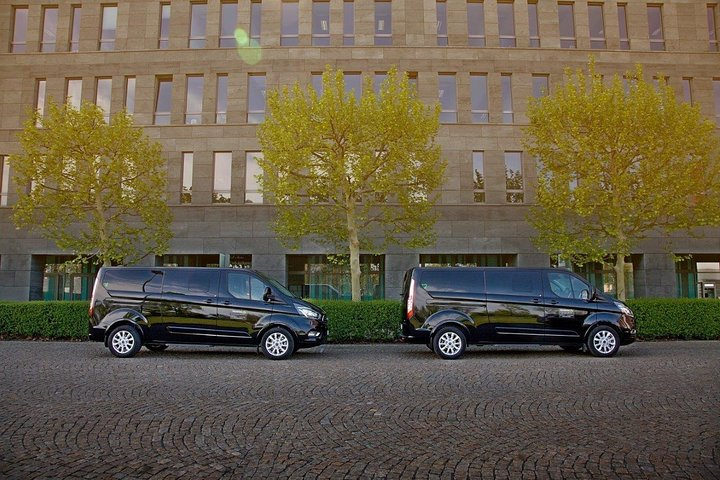 From Passau to Prague private transfer by minivan, ,