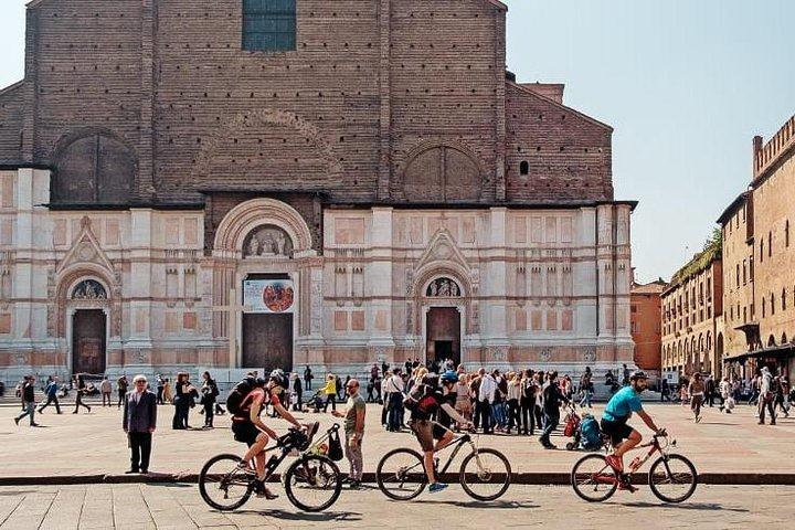 Bologna: alquiler de bicicletas con entrega y recogida en hotel, Bolonia, ITALIA