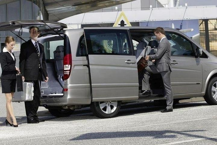 Private Transfert from Bruges to Brussels Airport By Business car, Bruselas, BELGICA
