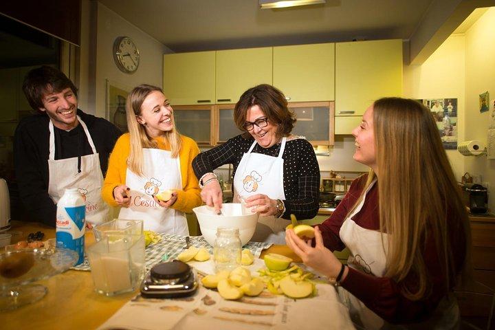 Private cooking class with lunch or dinner in Fasano, Alberobello y Locorotondo, ITALIA
