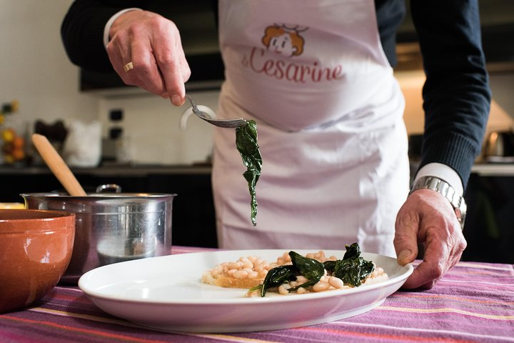 Dining experience at a local's home in Pisa with show cooking, Pisa, ITALIA