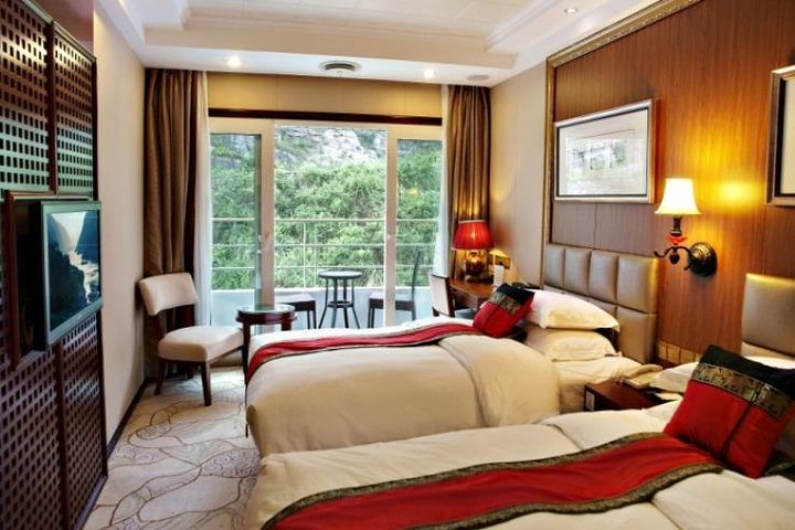 Yangtze River Deluxe Cruise 4D/3N from Chongqing to Yichang: Yangtze Gold Cruise, Chongqing, CHINA