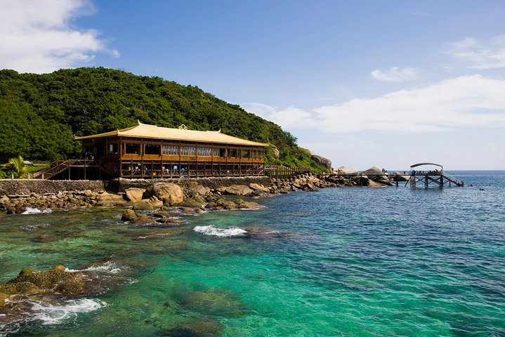 One Day Private Tour of Wuzhizhou Islet and Nantian Hot Spring, Sanya, CHINA