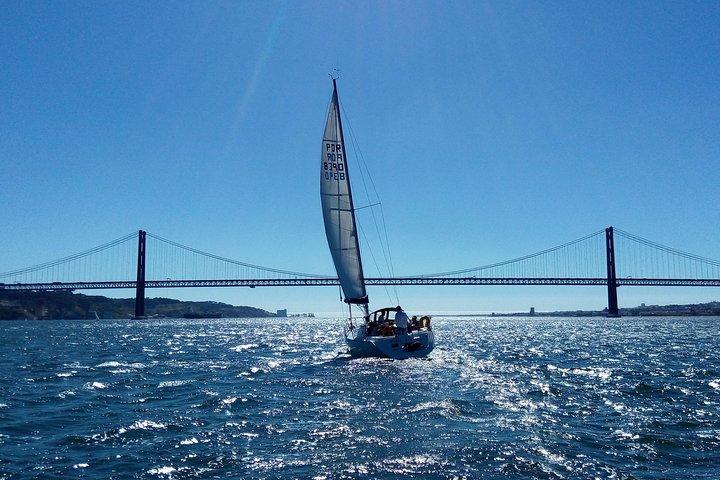 Excursión en velero por Lisboa en un yate de lujo, Lisboa, PORTUGAL