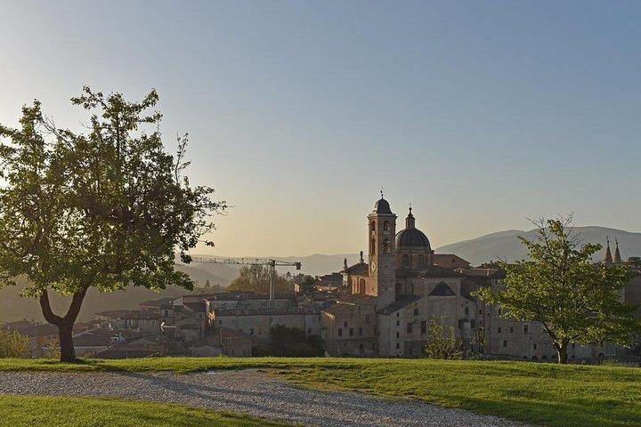 Private Transfer: Civitavecchia Port to Urbino or vice versa, Pesaro, Itália