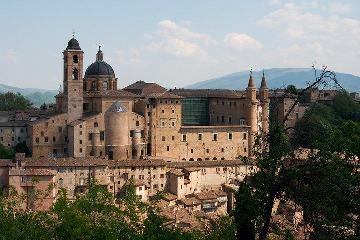 Private Transfer: Fiumicino Airport (FCO) to Urbino or vice versa, Pesaro, Itália