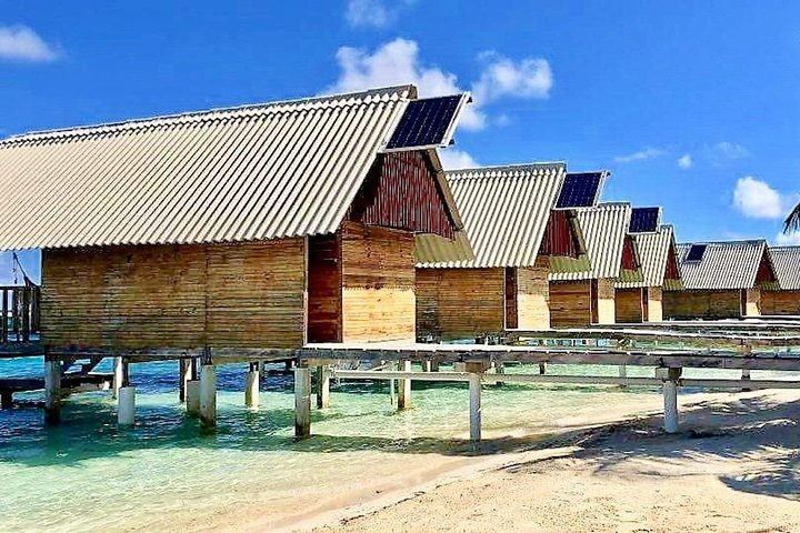 2D/1N Private Cabin Over-the-Ocean INCL Meals & Day Tour, Islas San Blas, Panama