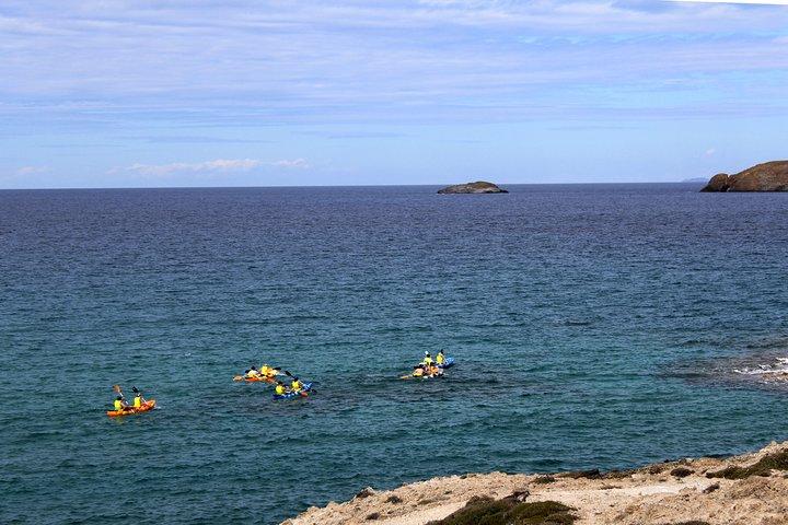 Kayaking Tour to the secrets of Milos, Milos, Grécia