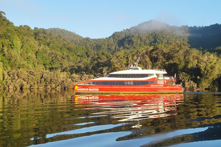 Afternoon Gordon River Dinner Cruise, Strahan, Austrália