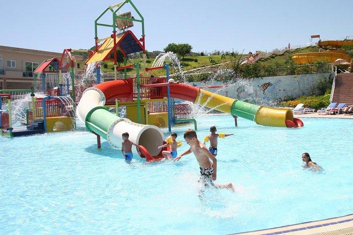 Aqua Dream Water Park in Marmaris City Center, with Hotel Transfers, Marmaris, TURQUIA