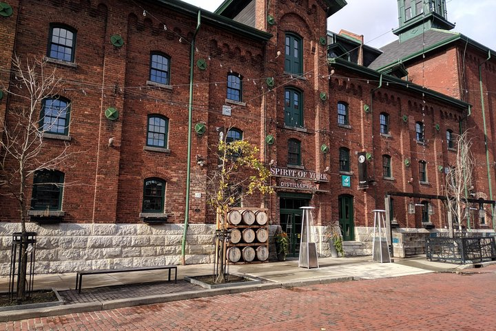 Toronto Distillery District Walking Tour, Toronto, CANADA
