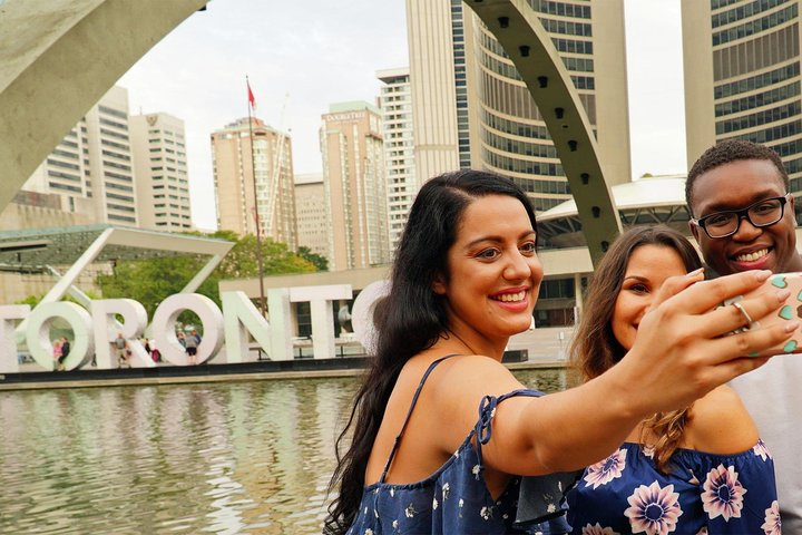Luxury Small-Group Toronto City Tour, Toronto, CANADA