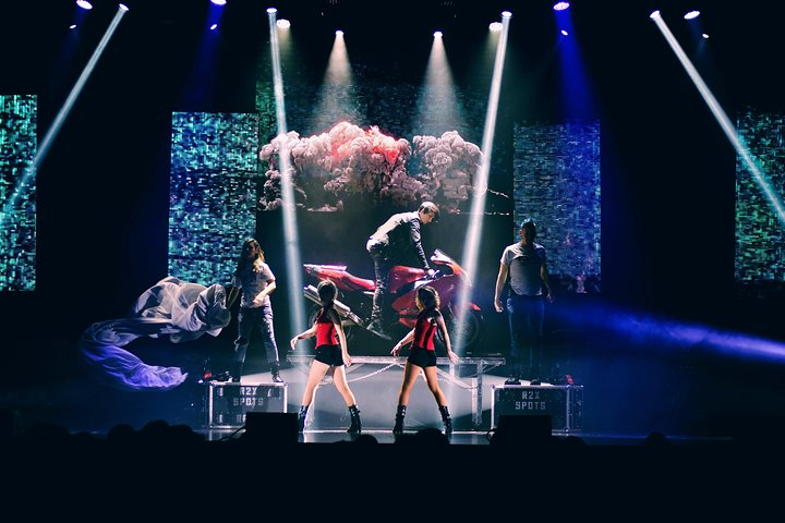 Reza Edge of Illusion Show in Branson, Branson, MO, ESTADOS UNIDOS