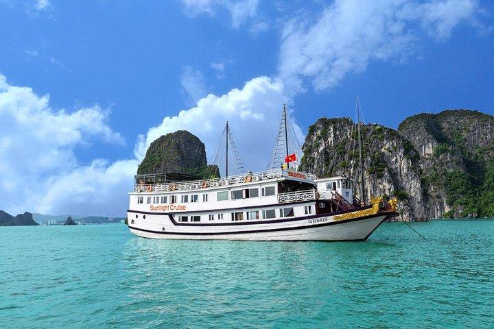 Halong bay Boutique Cruise 2D/1N tour: Kayaking, swimming, Titop island & cave, Halong Bay, VIETNAM