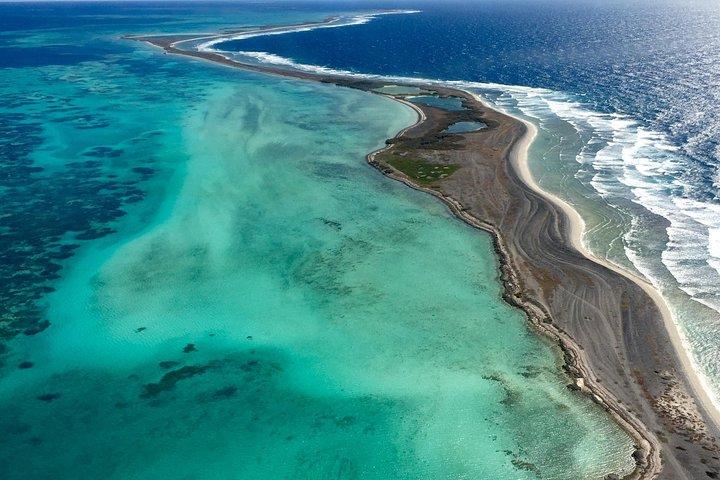 Pink Lake + Abrolhos Islands Scenic Flight, Geraldton, AUSTRALIA