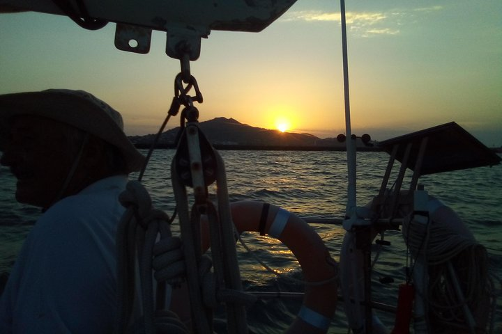 Sailing boat overnight live aboard experience Townsville, Townsville, Austrália