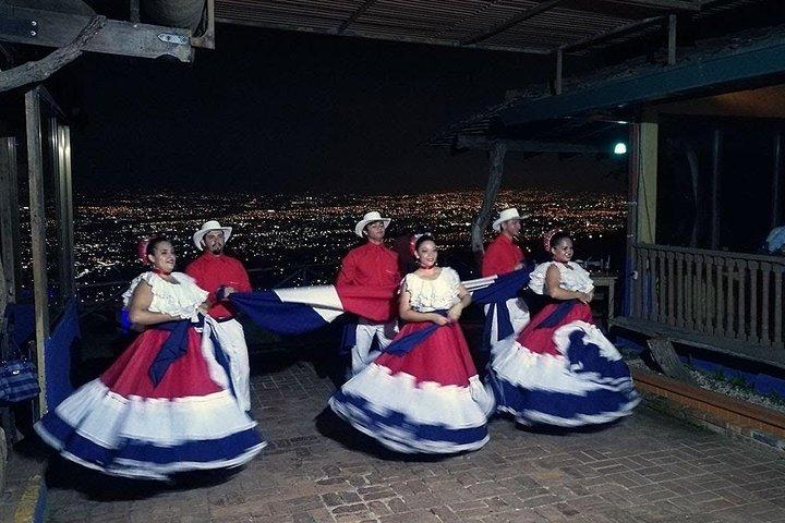 Cena + Show Típico en el mejor mirador de la Ciudad, San Jose, COSTA RICA