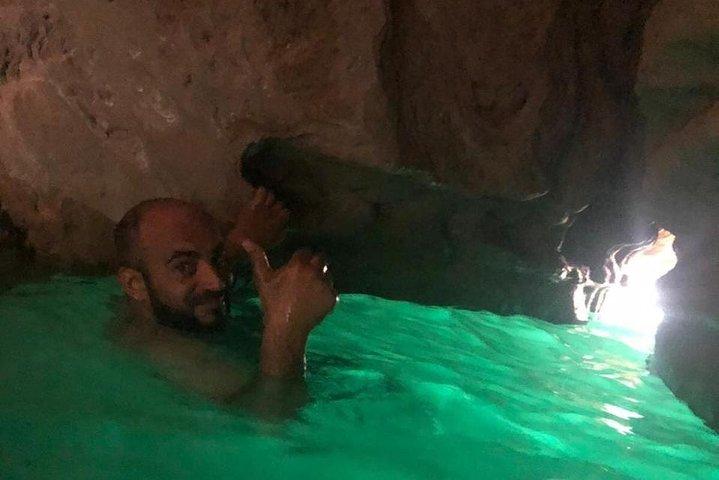 Private Day Trip To Wadi Shab & Bimmah Sinkhole, Mascate, OMAN